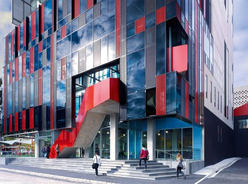 OCBC Student Awards For Undergraduates At Swinburne University in Malaysia 2019