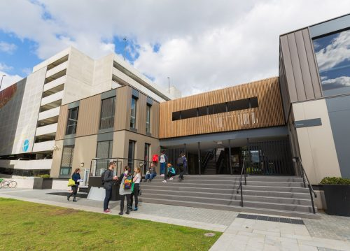 Bob and Margaret Frater International Travel Scholarship At AUC in Australia, 2019