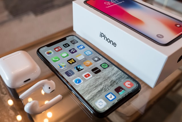 Does the iPhone Still Beat Android